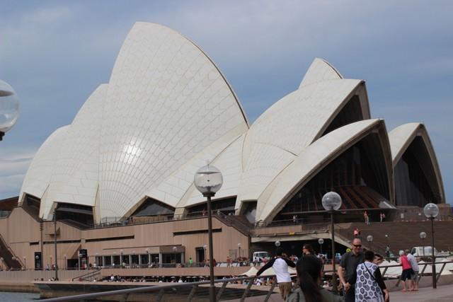 Opera House bei grauem Himmel