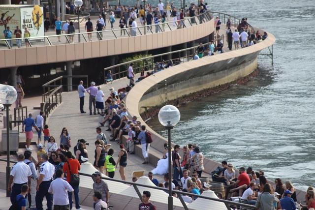 Opera House mit Touristen